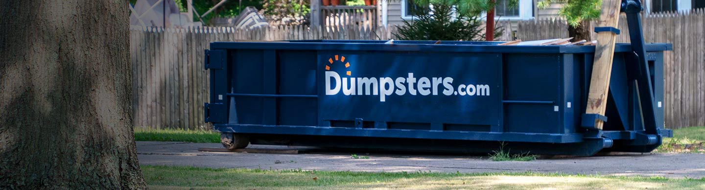 Blue 10 Yard Dumpster With a Dumpsters.com Logo