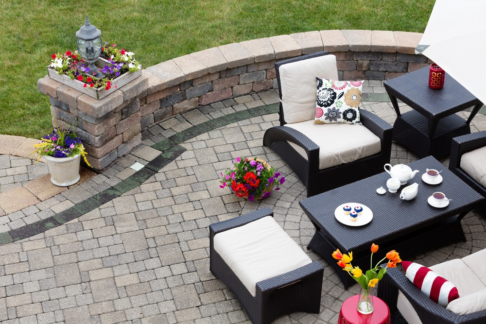 diy outdoor living patio project